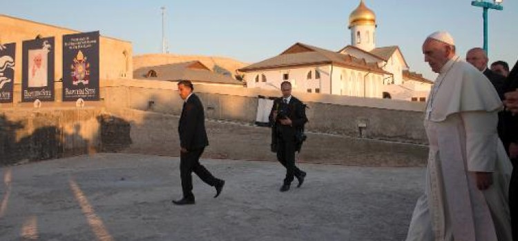 Papal pilgrimage heads to Bethlehem