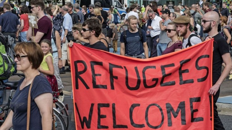 'Refugees Welcome': As EU Slams Door on War Survivors, People Show Another Way